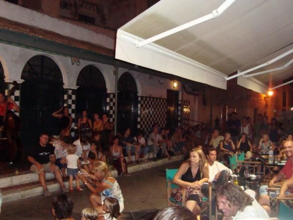 Look Al Plaça